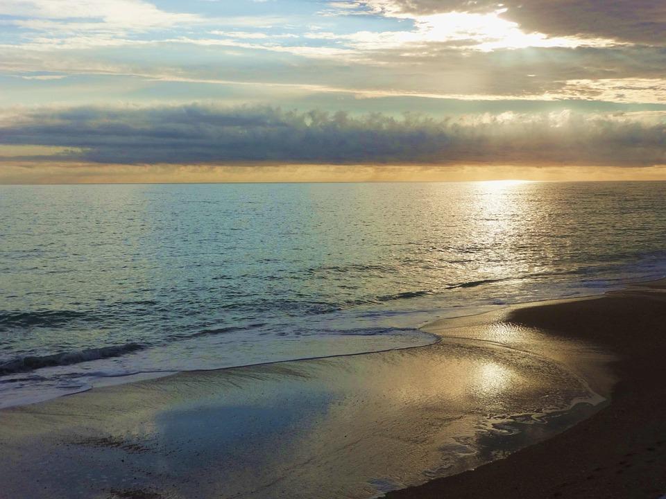 sunrise-on-ocean-723861_960_720