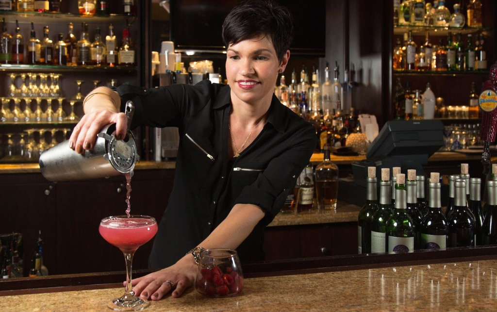 Mixologist Rachel Riley. (© Kimpton Vero Beach Hotel & Spa)