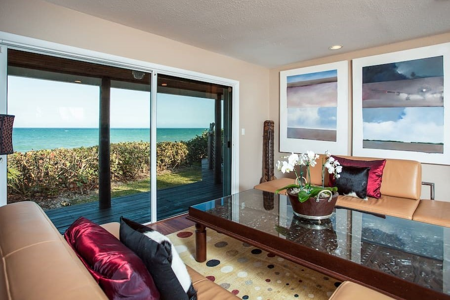 Oceanfront 4 Bedroom house